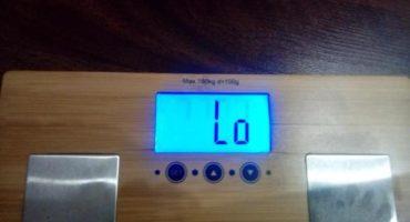 Hvad skal man gøre, når elektroniske gulvvægte viser Lo?