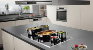 Cocina de inducción - instrucciones de uso y control remoto
