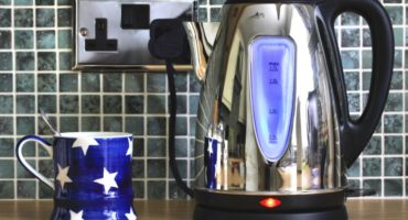 Ang electric kettle ay hindi naka-on - ano ang dapat kong gawin?