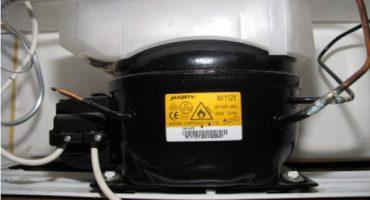 Sinusuri ang pagpapatakbo ng compressor ng refrigerator