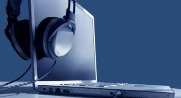 ¿Por qué el sonido en la computadora portátil se volvió más silencioso y cómo solucionarlo?