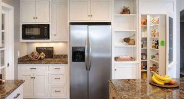 Kāpēc ledusskapis čīkst ar aizvērtām durvīm un kā novērst šo problēmu?
