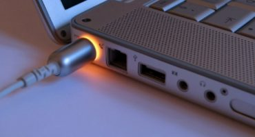 Sådan kalibreres et bærbart batteri ved hjælp af eksemplet med Asus, HP, Acer, Samsung osv.