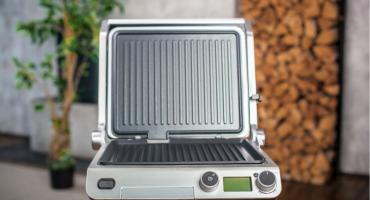 Parrilla eléctrica Wollmer S807 para el hogar: ventajas y desventajas